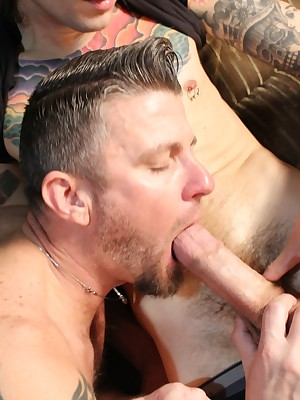 CumPigMen - Christian Matthews Blows Christop