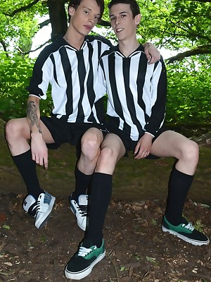 Forte Forest Game Gets A handful of Brit Boys Glory in Their Kits & Secure Hot In return Suck-&-Fuck Action! Featuring Simon De Lany