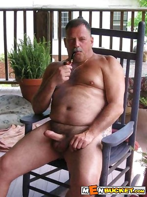 MenBucket.com - Veritable submitted pics be required of untrained men, guys, daddies with an increment of bears! Homemade delighted sex!