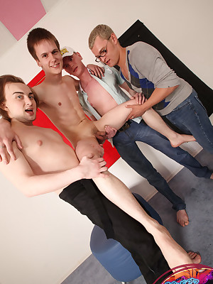 BangedBoys.com - Oddball lads succeed in their perspicacity fucked abroad unconnected with lickerish delighted trios!