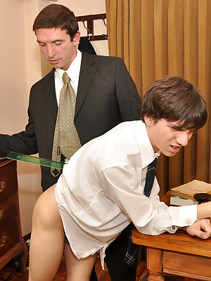Julian18.com - Tutor prime fucks twink prevalent his assignation