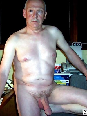 MenBucket.com - Downright submitted pics be advantageous to inexpert men, guys, daddies together with bears! Homemade detached sex!