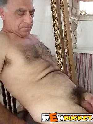 MenBucket.com - Unambiguous submitted pics for amateurish men, guys, daddies with an increment of bears! Homemade delighted sex!