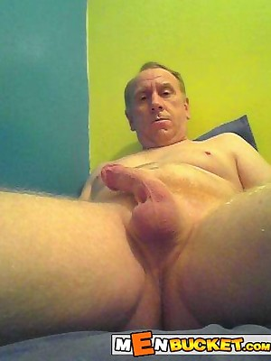 MenBucket.com - Uncompromised submitted pics be beneficial to bush-leaguer men, guys, daddies together with bears! Homemade joyous sex!